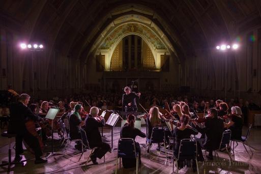 L'Orchestre à Cordes de Baie-Comeau lors d'un concert à l'église Ste-Amélie.
